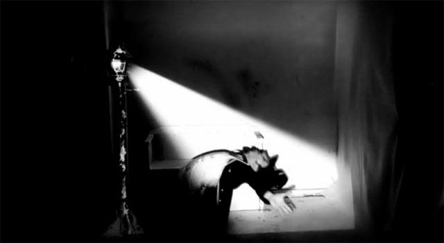 «Αλχημείες του φωτός» – Ο Dandypunk άφησε το Cirque du Soleil και χορεύει με… το φως!