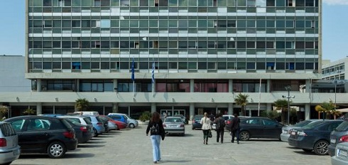 Φοιτητές κατέλαβαν το κτίριο Διοίκησης ΑΠΘ – Τεταμένο κλίμα στην πανεπιστημιακή κοινότητα
