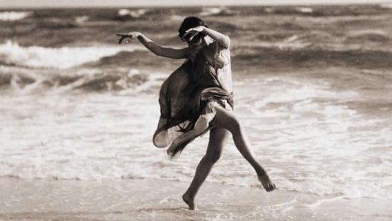 A Real ArtStory: Ισιδώρα Ντάνκαν, η ξυπόλητη χορεύτρια με ζωή σαν τραγωδί