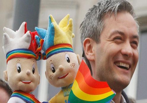 gay δημαρχος - Robert Biedron