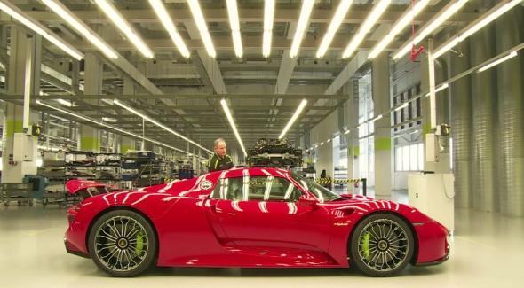Δείτε πως κατασκευάζεται ένα πολυτελές αυτοκίνητο (Βίντεο)