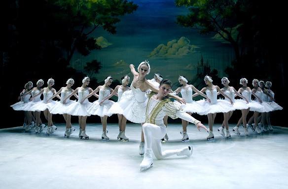 ΔΙΑΣΚΕΔΑ-ΖΟΥΜΕ: Κερδίστε 5 διπλές προσκλήσεις για τον μπαλέτο στον πάγο «Η Λίμνη των Κύκνων» στο Θέατρο Badminton