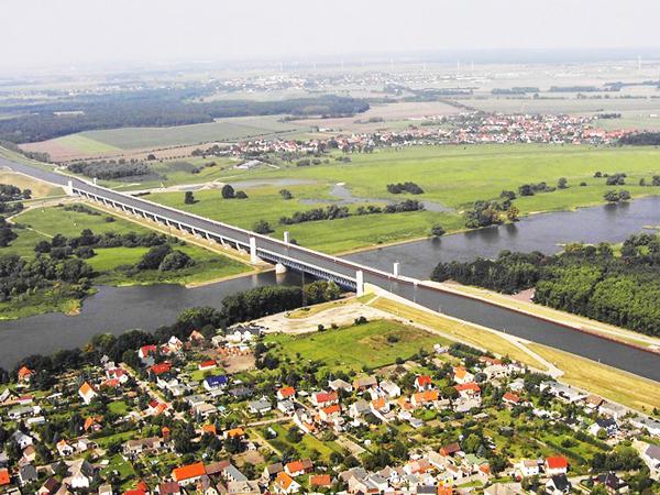 Η εκπληκτική «ένωση» δύο ποταμών στην Γερμανία (Εικόνες)
