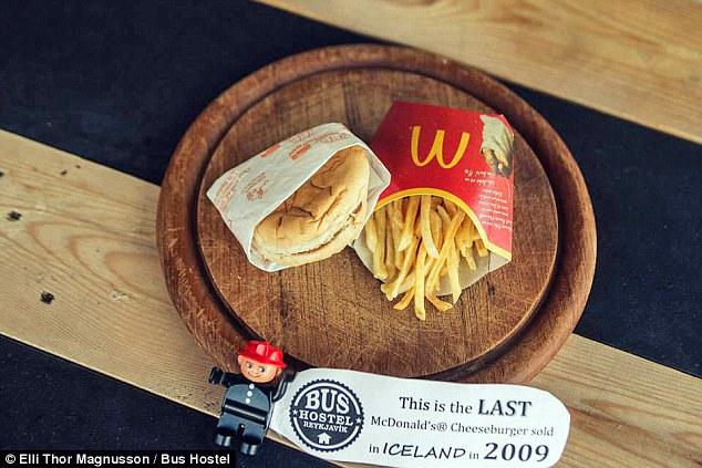 Το τέλος των McDonald's έστειλε τα burger στο μουσείο!