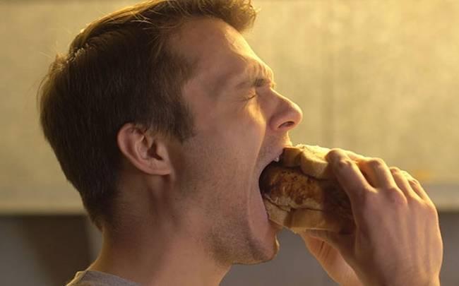Όσα πάνε «στραβά» σε ένα γεύμα (Βίντεο)